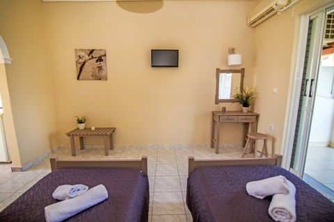 Kondarini's Sea View Studios Holidays in Zakynthos Greece