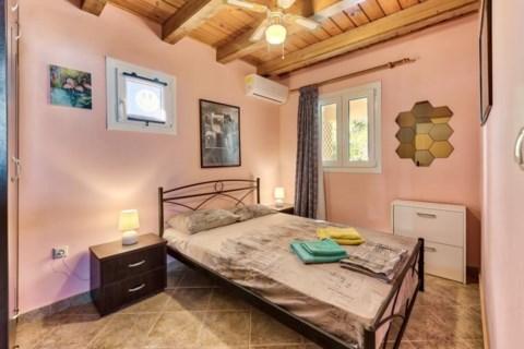 Green Boat Apartment Holidays in Zakynthos Greece